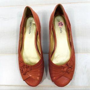 NEW Aerosoles Orange Leather Slip On Flats 5.5